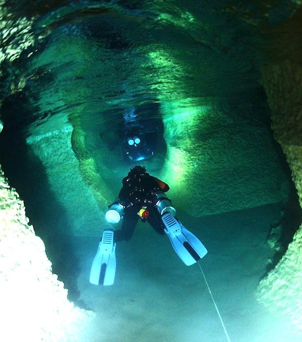 Phantom Springs cave near Balmorhea pic1